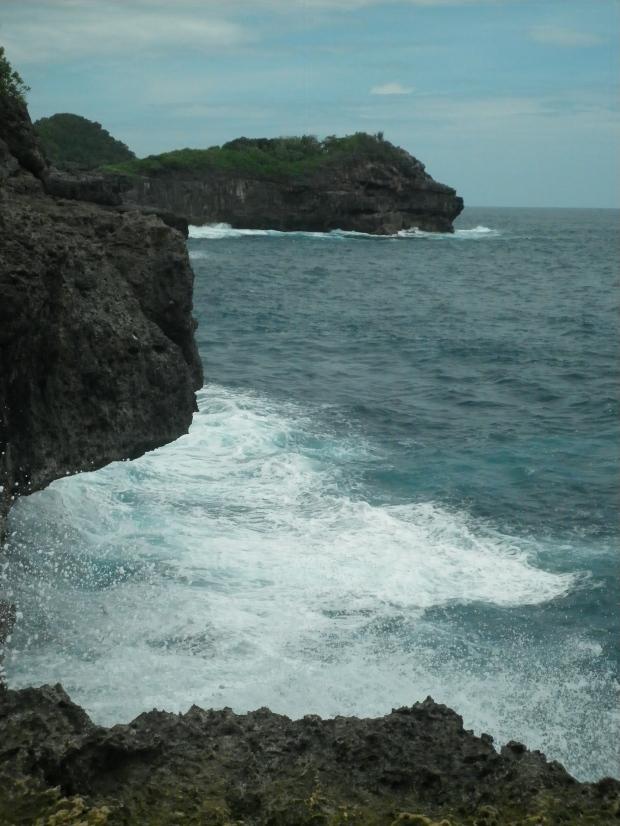 Ganasnya ombak laut selatan